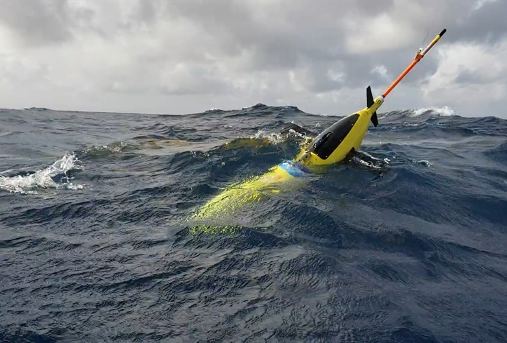 Robots probe ocean depths in mission to fine-tune hurricane forecasts