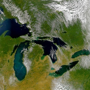 Climate-driven shifts in deep Lake Michigan water temperatures signal the loss of winter