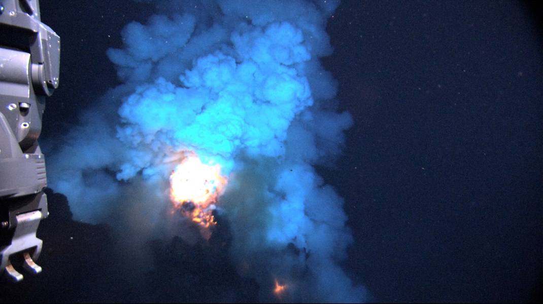 Watch video LIVE from the seafloor as NOAA and partners explore deep-sea volcanoes