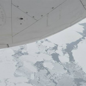 NOAA flies over Arctic to measure extent of sea ice