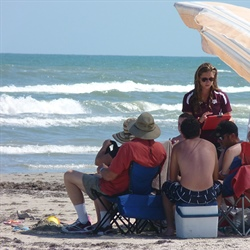 Texas Sea Grant researchers help beach visitors avoid the grip of rip currents