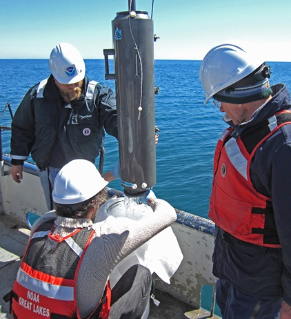 NOAA Great Lakes researchers join U.S.-Canadian study of Lake Huron...