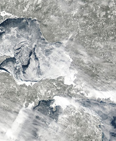 Ask NOAA experts about Great Lakes ice cover in a Tweet Chat on...
