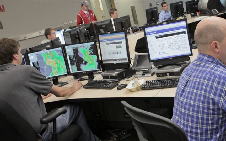 Forecasters get new system to manage 'flood' of weather data, improve forecasts