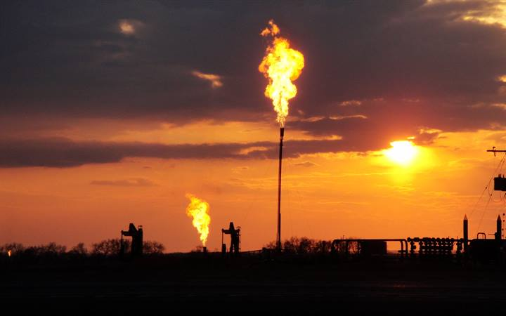 New NOAA-led study measures soot from North Dakota  flaring in oil and gas fields