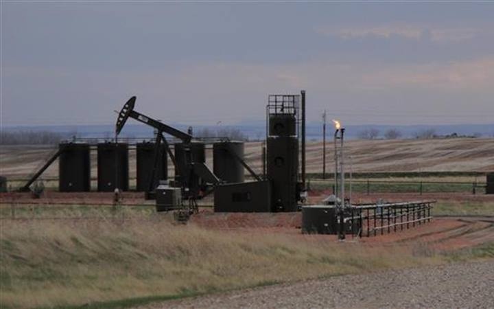 North Dakota's Bakken oil and gas field leaking 275,000 tons of methane per year