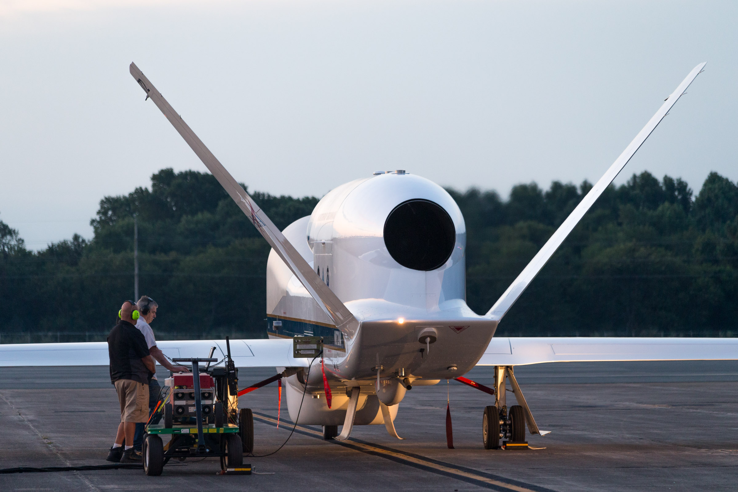 NOAA First: Real-time data from Global Hawk included in ...